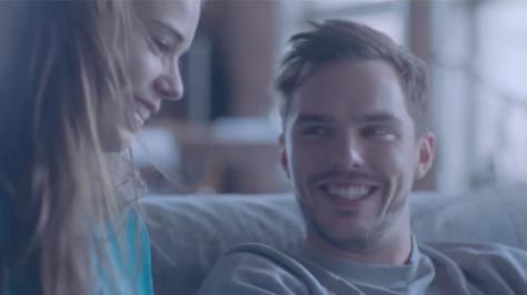 Nicholas Hoult lista di incontri scaricare dating agenzia sottotitolo Indonesia