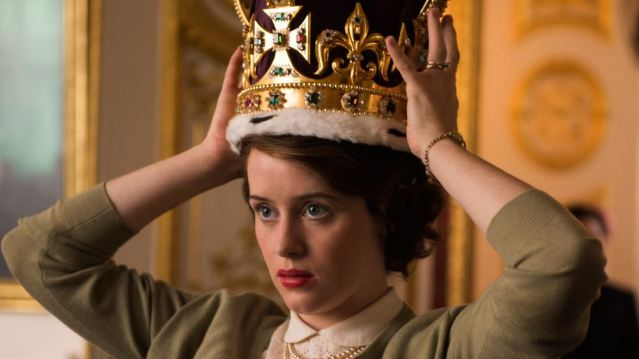 claire-foy-pagata-meno-di-matt-smith-in-the-crown-maxw-1280