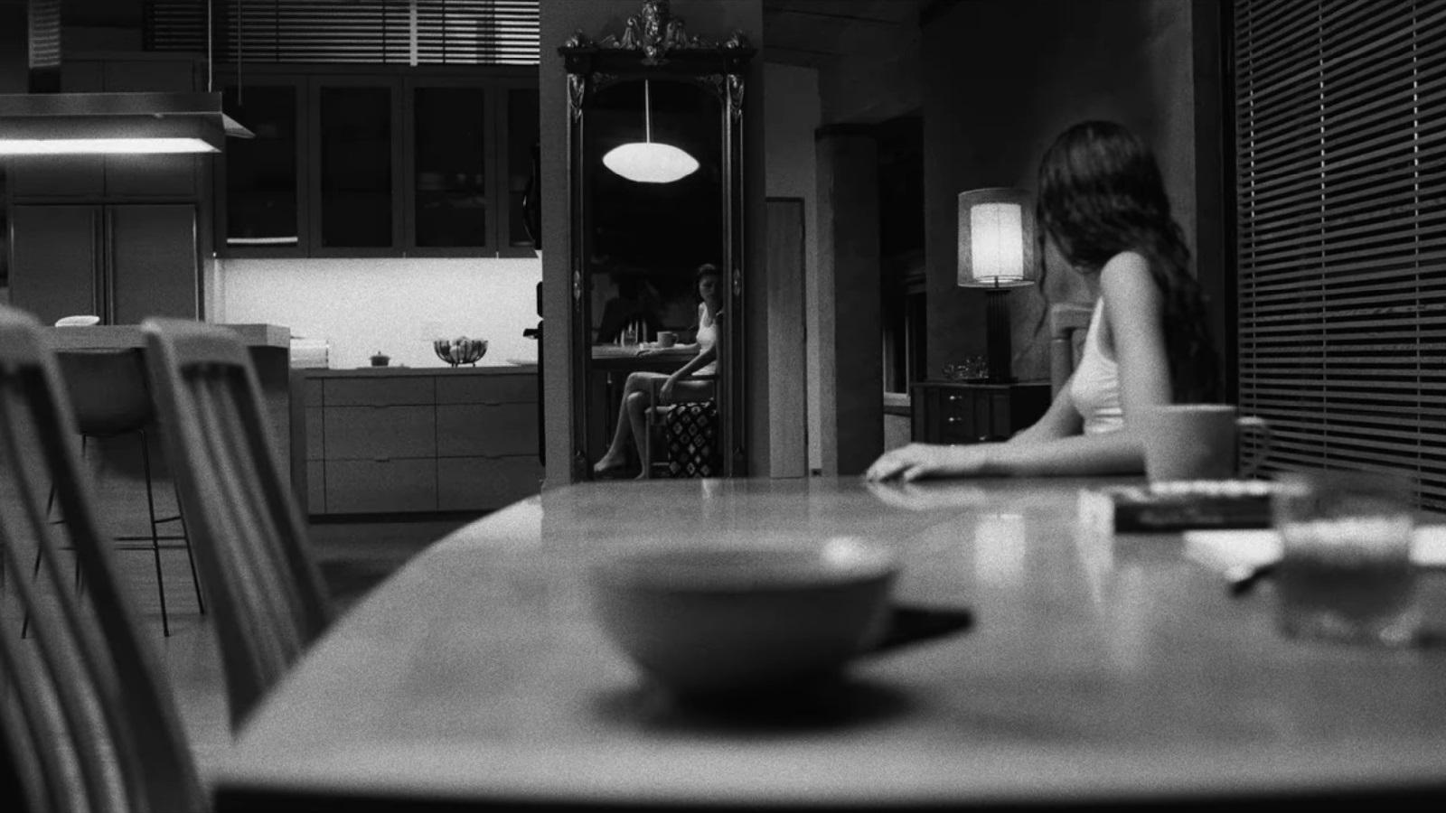 Marie in una scena del film